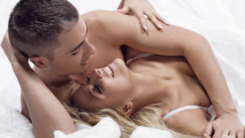 Nằm mơ thấy ân ái với chồng đánh đề con gì? Ân ái với chồng là số mấy?