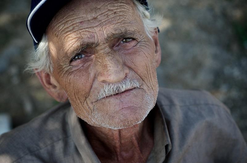 Nằm mơ thấy ông nội đánh đề con gì? Ông nội là số mấy?